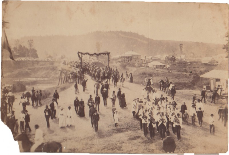 LismoreRailway_1891_band&processionafter turning of the first sod